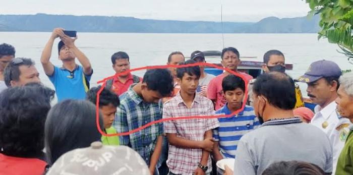 Bermaksud Jemput PR ke Sekolah, Boat Kecil Terbalik di Danau Toba