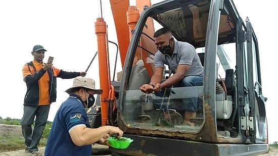 Bupati Langsa tepung tawari excavator