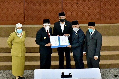 Gubernur Sumut Edy Rahmayadi bersama Wakil Ketua DPRD Sumut Rahmansyah Sibarani