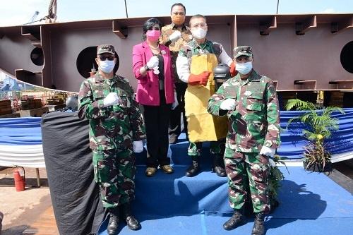 Komandan Pangkalan Utama TNI Angkatan Laut IV Tanjungpinang Laksamana Pertama TNI Indarto Budiarto SE MHan saat peresmian pembangunan di galangan kapal PT Batamec Tanjung Uncang Batam Kepri