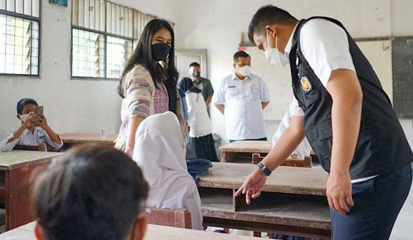 Bobby Nasution Pastikan Percepatan Vaksinasi Pelajar Capai Target